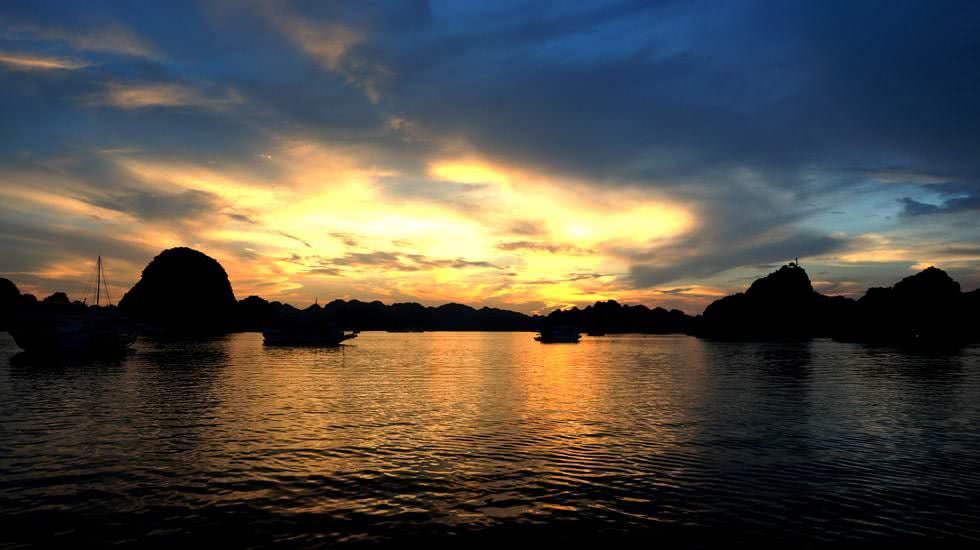 Sonnenuntergang über Ha Long
