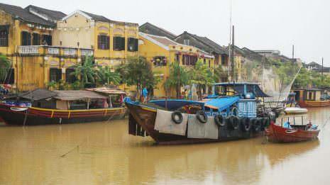 Schiffe auf dem Fluss