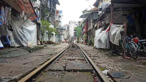 Bahngleise mitten in der Stadt