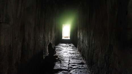 Tunnel in Angkor Wat