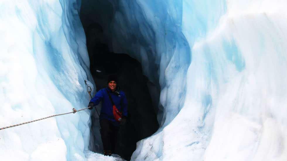 Ich in der Gletscher Höhle