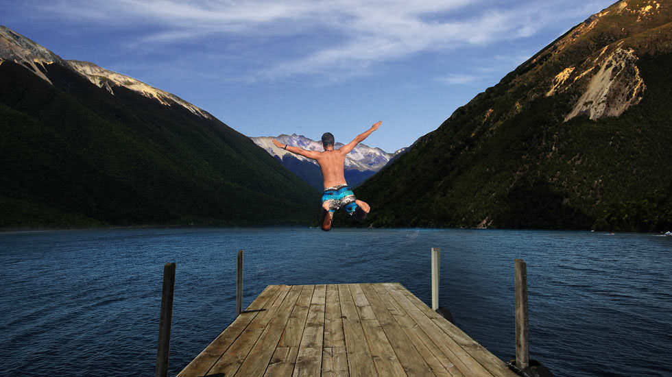 Sprung in den Lake Rotoiti