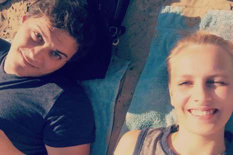 Reisen als Paar in Berlin am Strand