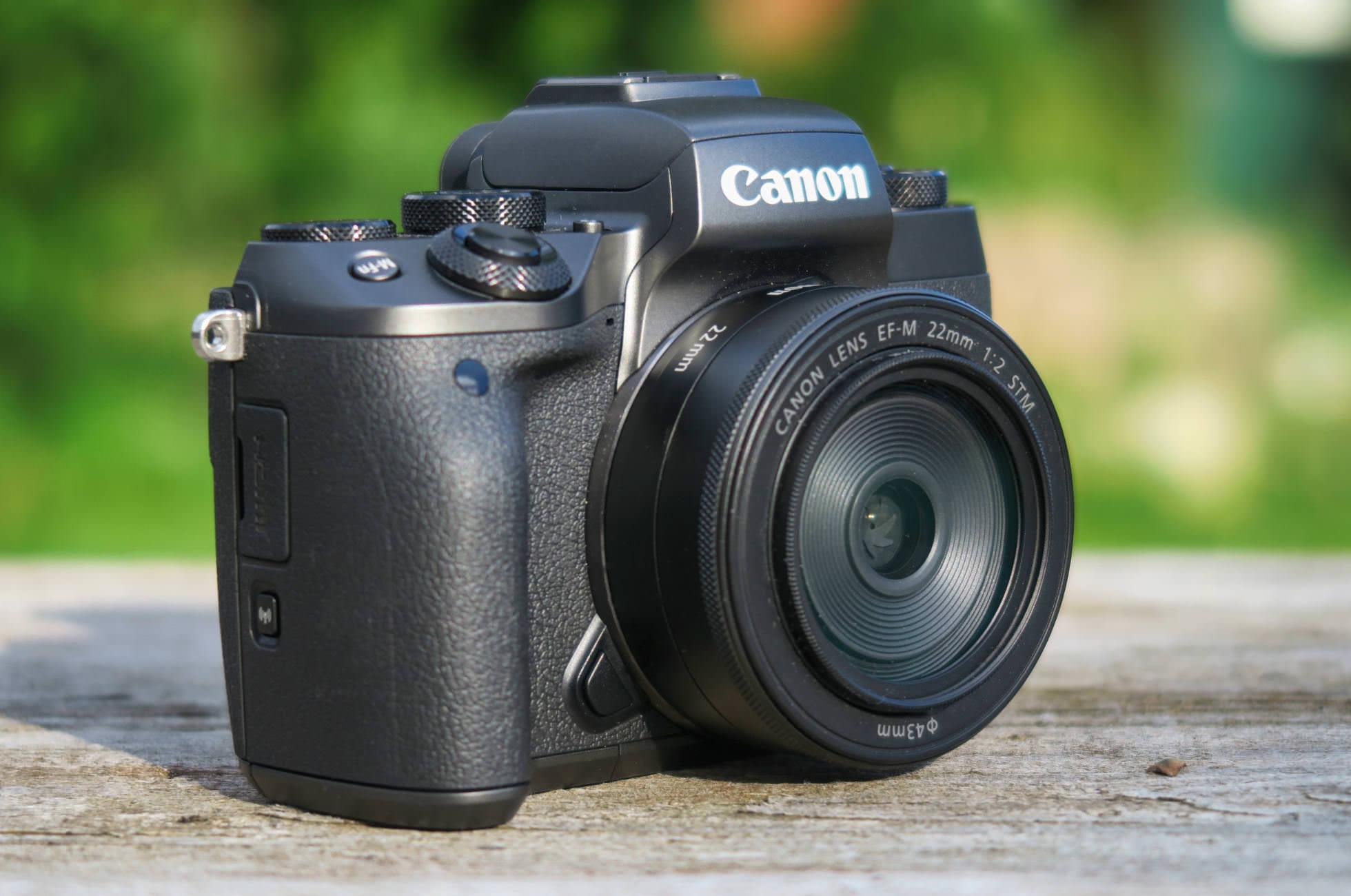 Canon EOS M5 22mm