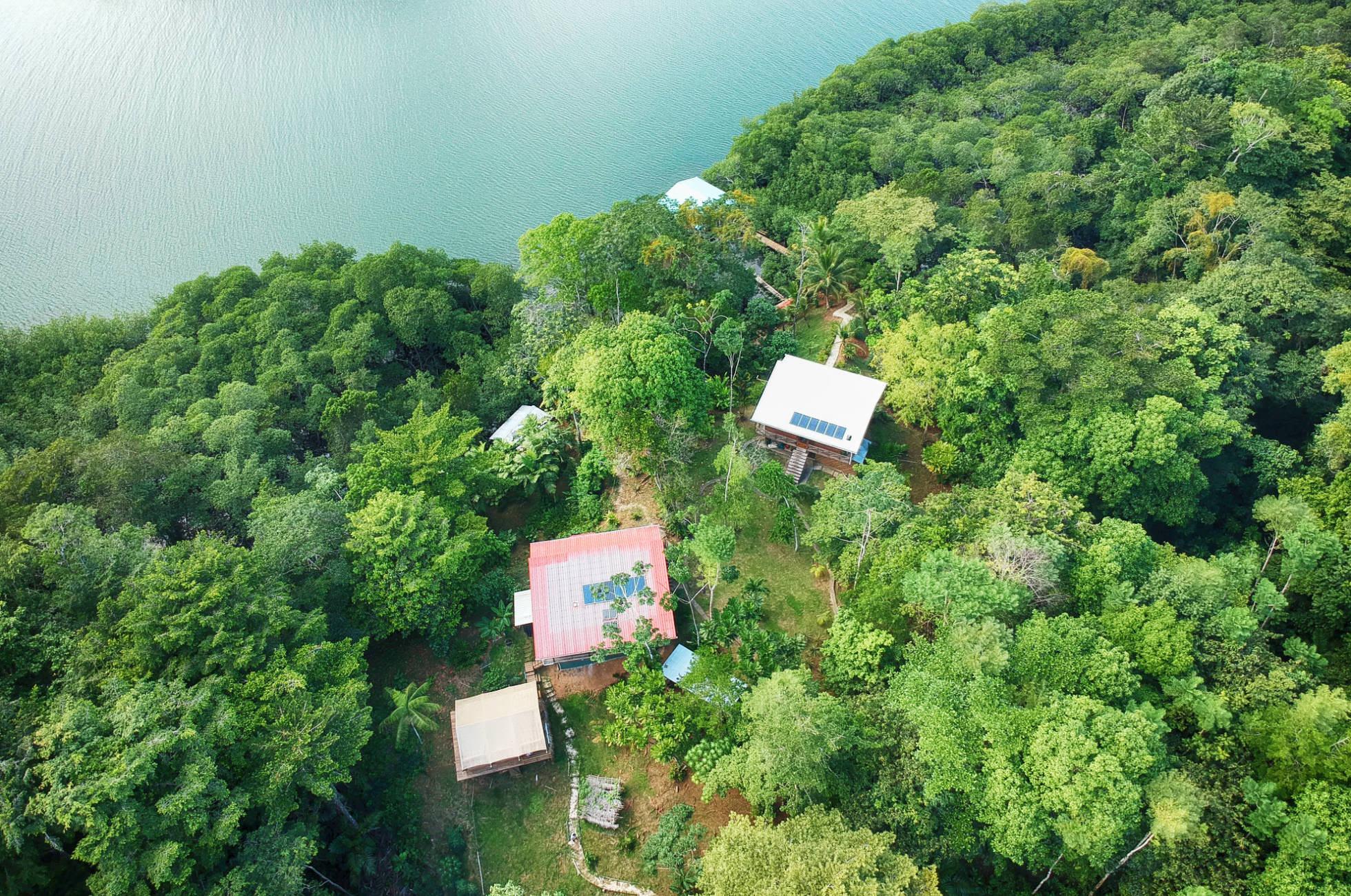 Corto Lodge Bocas del Toro Isla Popa