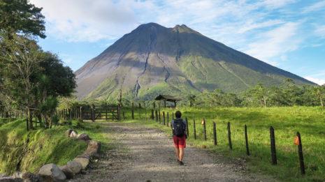 Der Vulkan Arenal und die Stadt der Glücklichen
