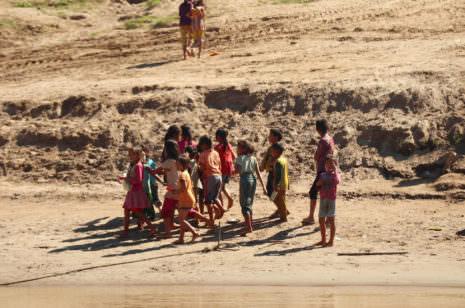 Kinder Laos