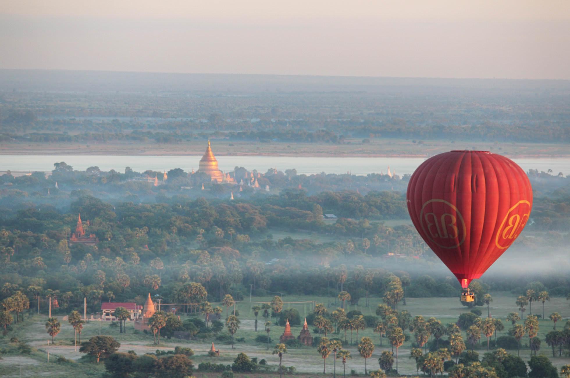 Heißluftballon Bagan