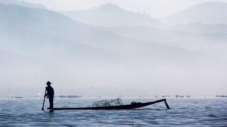 Der Inle-See: Heimat der Einbeinruderer