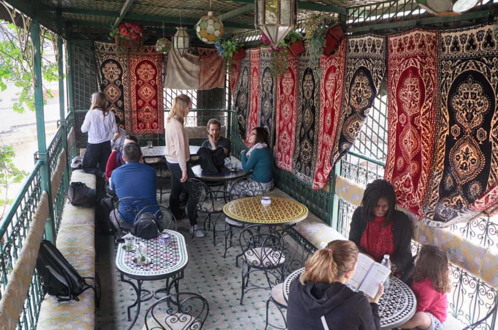 Cafe in der Medina von Fez